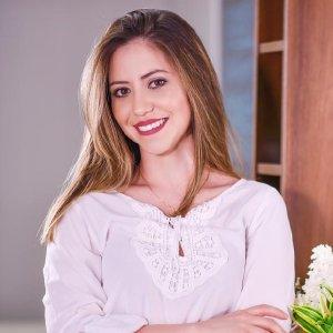 Dama: Uma inovação cosmética para a estética dos seios - Andréia Siqueira e Rute Miranda 1